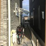 Xモデル187クリア×ホワイト自転車置き場の施工事例 後付け庇専門店ひさしっくす